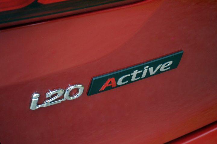 hyundai-i20-active-red