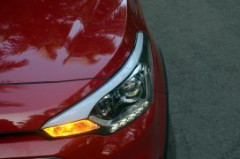 hyundai-i20-active-red-headlamp