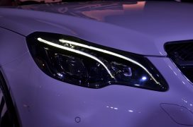 mercedes-e-400-cabriolet-headlamp