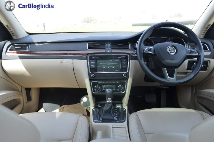 skoda-superb-review-pics-dashboard