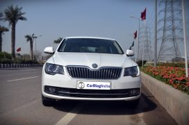 skoda-superb-review-pics-front-2