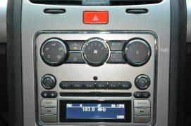 2015-Tata-Safari-Storme-facelift-interior-centre-console-pics