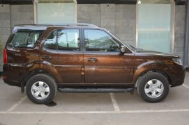 2015-Tata-Safari-Storme-facelift-side-pics