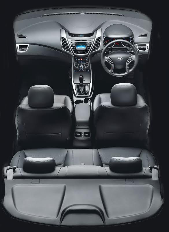 Model Hyundai Elantra Interior Pics