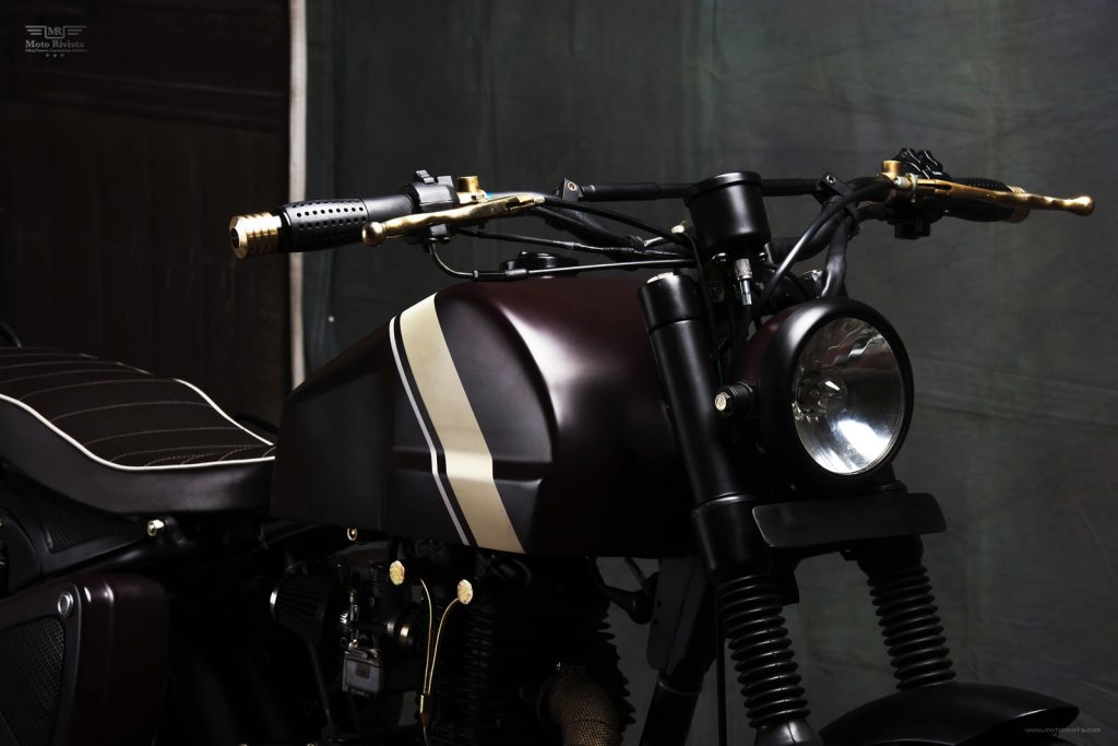 Modified-Royal-Enfield-Scrambler-Machismo-Tank