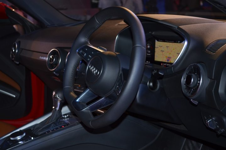 new-audi-tt-india-interiornew-audi-tt-india-interior
