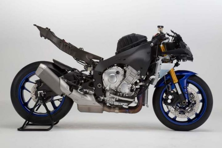 new-model-yamaha-r1-india-pics-3