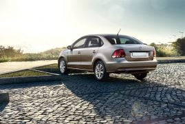 Volkswagen-Vento-2015-Model-Pics-rear-angle