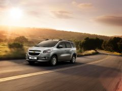 chevrolet-spin-white-front-angle