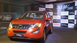 mahindra-xuv500-new-model-pics-front-angle-sunset-orange-2
