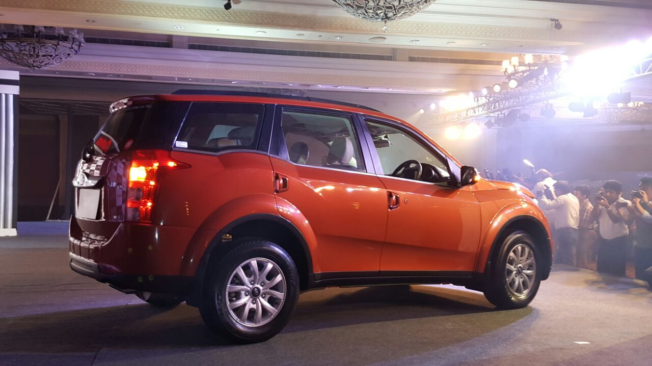 Mahindra Xuv500 New Model Pics Side Sunset Orange