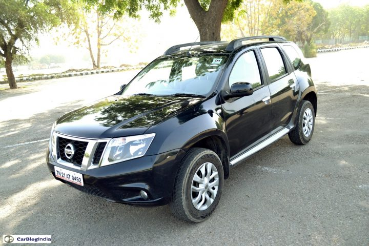 Nissan Terrano AMT Automatic Price, Specifications, Mileage Nissan-Terrano-Petrol-Review-Images-Black-Front-Angle
