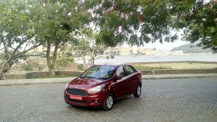 2017 hyundai xcent vs ford aspire