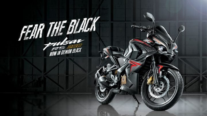 2015-bajaj-pulsar-rs-200-demon-black-1