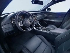 Jaguar-XF_2016_interior_1280x960_official_pics-1