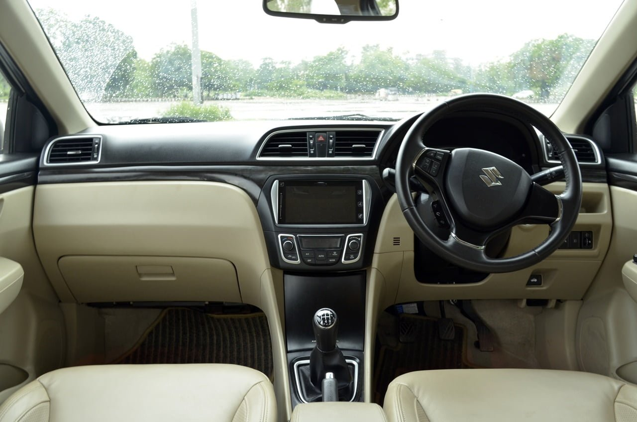 maruti ciaz metallic interior review carblogindia. Black Bedroom Furniture Sets. Home Design Ideas