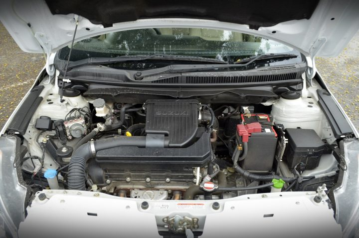 Maruti-Ciaz-Metallic-Pearl-Arctic-White-Engine-Bay-Review