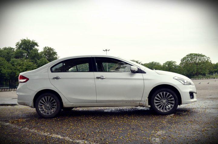 Maruti-Suzuki-Ertiga-Facelift-spy-pic-side-2