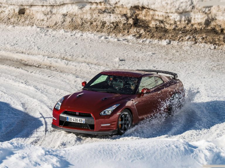 Nissan GTR India Launch Date, Price, Images, Details