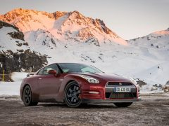 Nissan-GT-R_India-Pics-Front-Three-Quarter
