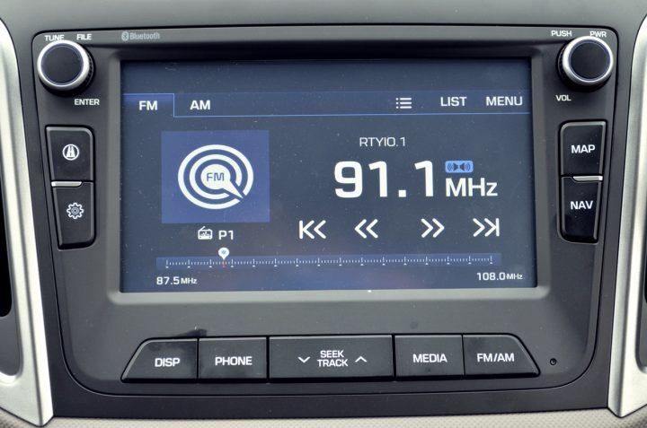 hyundai-creta-test-drive-review-interior-avn-touchscreen-pics