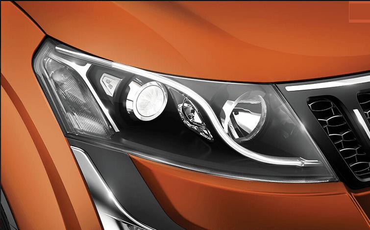 Tata Hexa vs Mahindra XUV500 Comparison - new Mahindra XUV500 headlight
