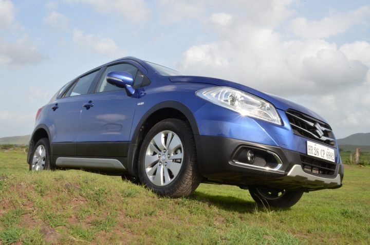 maruti-suzuki-s-cross-blue-front-three-quarters