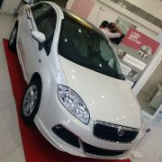 2015-fiat-linea-elegante-special-edition-india-1