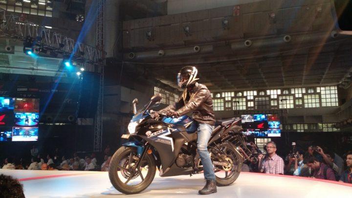 2015-honda-cbr150r-india-revfest-1