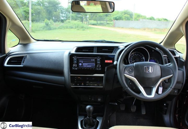 2015-honda-jazz-crimson-red-dashboard