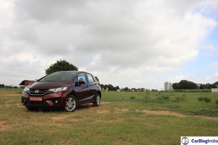 2015-honda-jazz-crimson-red-front-angle-4