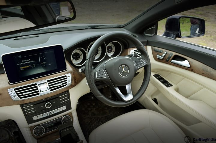 2015-maruti-ertiga-new-model-interior-cockpit-pics