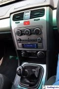 2015-tata-safari-storme-review-centre-console