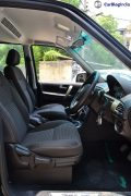 2015-tata-safari-storme-review-front-seats