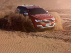 Ford-Endeavour_2016_Front-Angle-5