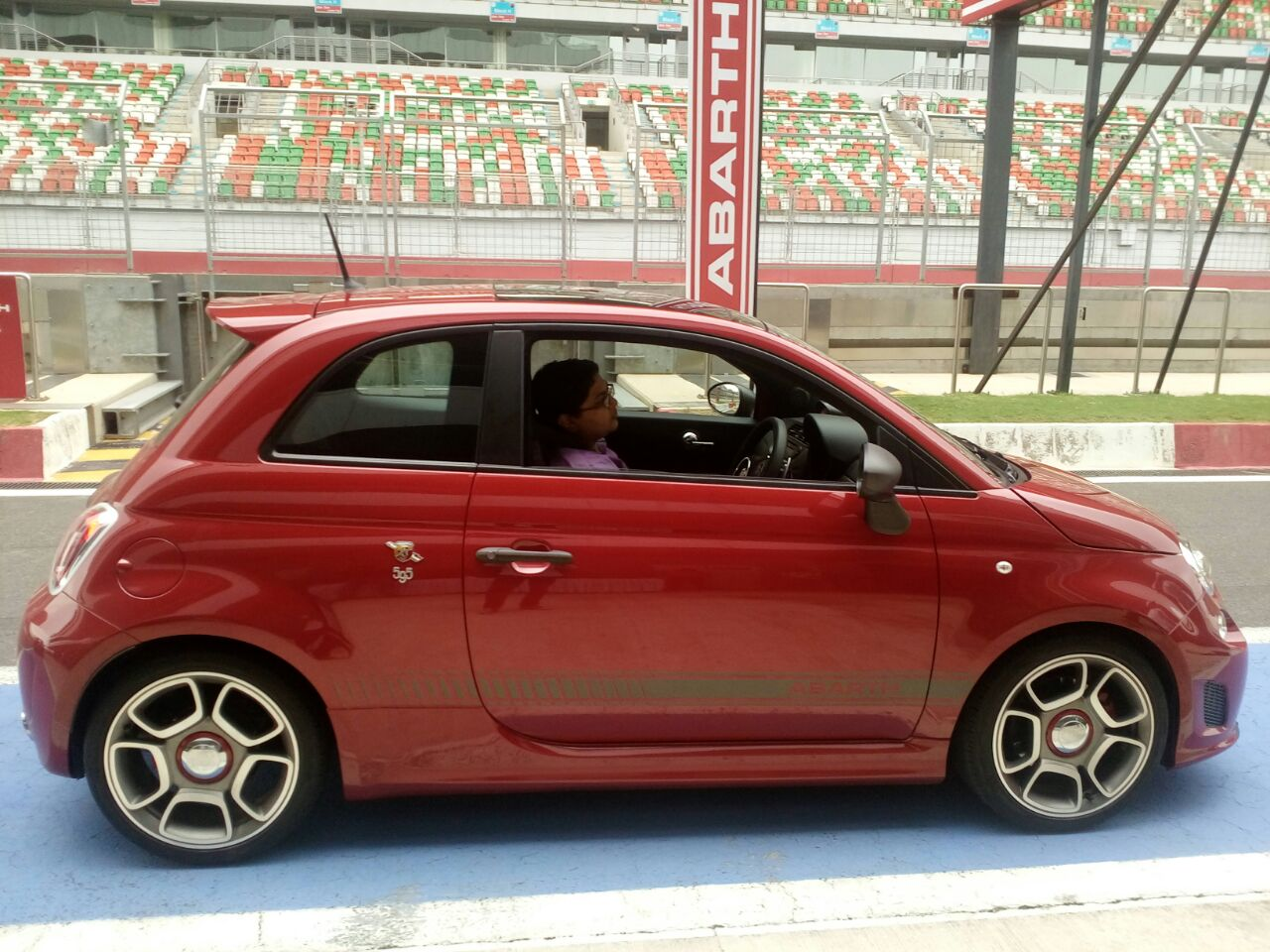 fiat abarth 595 competizione india prices pics specs details. Black Bedroom Furniture Sets. Home Design Ideas