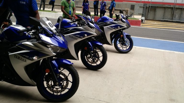 Yamaha R3 Gets 2 New Colors [Price, Pics & Details]