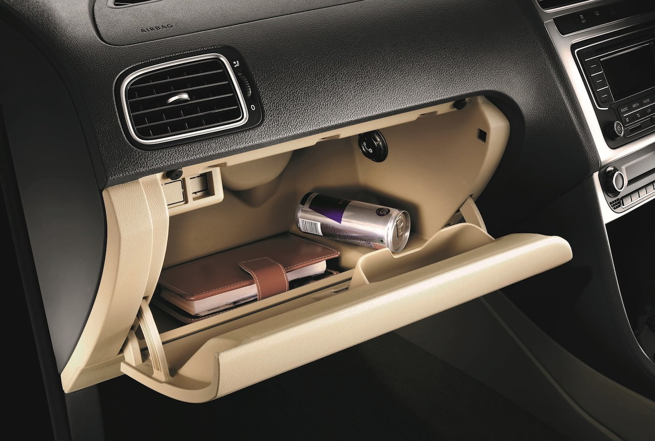 2015-Volkswagen-Polo-India-cooled-glovebox - CarBlogIndia