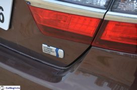 2015-toyota-camry-hybrid-review-pics-badge-1