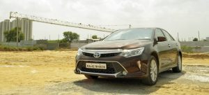 2015-toyota-camry-hybrid-review-pics-cover