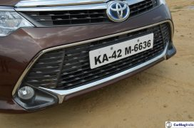 2015-toyota-camry-hybrid-review-pics-front-bumper-close