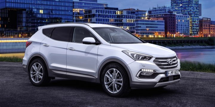 Upcoming new Hyundai Cars in India in 2016,2017 - new-2016-hyundai-santa-fe-front-angle