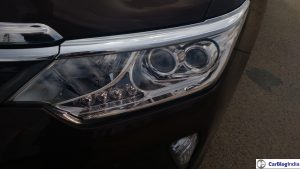 2015-toyota-camry-hybrid-review-headlight