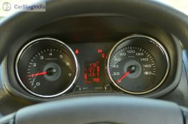 mahindra-tuv300-test-drive-review-black-dials