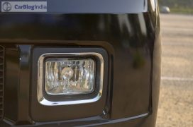 mahindra-tuv300-test-drive-review-black-fog-lamp
