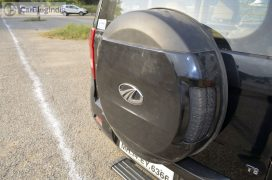mahindra-tuv300-test-drive-review-black-spare-wheel