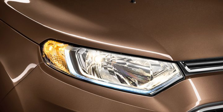 2015-ford-ecosport-official-pics-headlamp