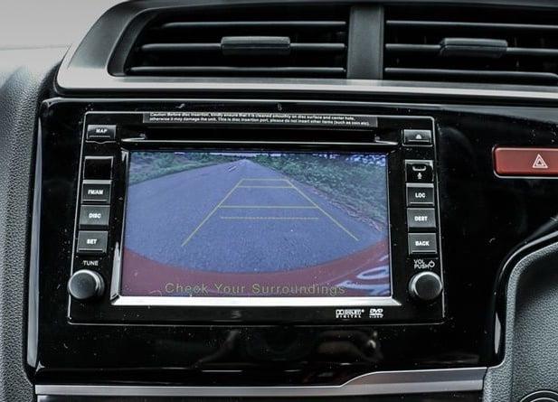 honda-br-v-brio-based-suv-avn-touchscreen