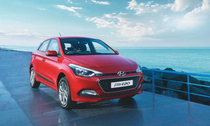 Hyundai Elite i20 Automatic vs Baleno vs Jazz comparison Price, Specs 2016-hyundai-elite-i20-official-image-red-front-angle-1