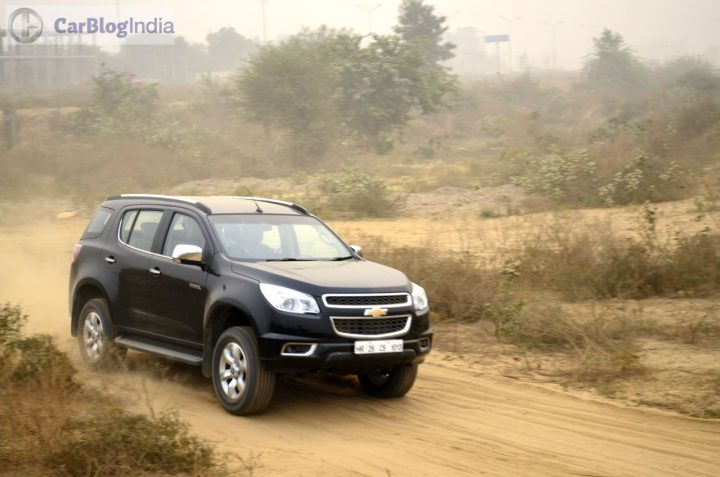 chevrolet trailblazer vs fortuner vs new endeavour - Chevrolet Trailblazer Black Action Photo